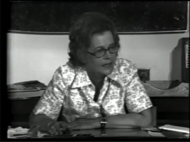 Fernande St-Martin, Entrevue avec Fernande St-Martin, 1976. Photo : Rose-Marie Arbour avec l'autorisation de Vidéographe.